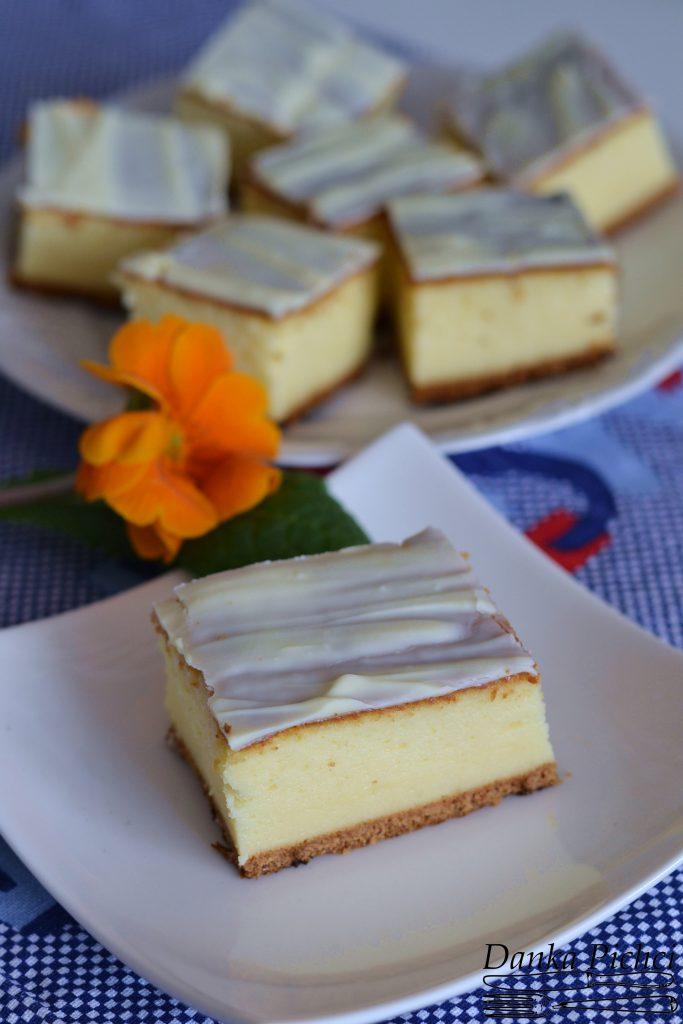 Sernik z białą czekoladą